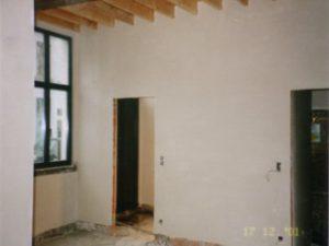 Bepleisterde muren in een renovatieproject.